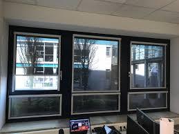 Sonnenschutz Rollo Blendschutz Sichtschutz Und Wärmeschutz Im Büro