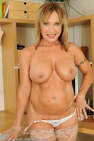 Hot Older Women 60 Year Old Luna From Naked Milf Babes