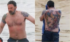 скарлетт йоханссон сделала татуировку на всю спину