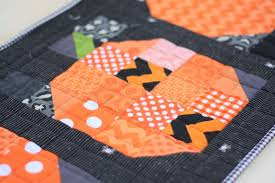 Patchwork Pumpkin quilt tutorial - Diary of a Quilter - a quilt blog & Patchwork Pumpkin quilt tutorial Adamdwight.com