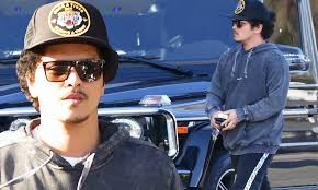 Cynthia labuda january 31, 2020 at 8:59 am. Bruno Mars Looks Low Key As He Shops For A Vespa Scooter With Girlfriend Jessica Caban Daily Mail Online