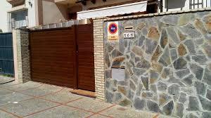 Revestimiento De Una Fachada De Un Edificio En Piedra Natural Fachada De Piedra Natural