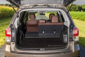 2018 subaru forester which is better featured