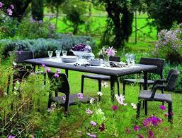 Idee Per Abbellire Il Giardino : Come arredare il giardino consigli per renderlo unico