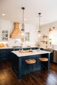 best bright bazaar's beach house navy kitchen inspiration