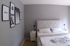 Schlafzimmer Einrichtung In Grau Avec Poster Schwarz Weiß Et Schwarz