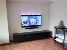samsung tv sound bar. wall mounted samsung tv and soundbar tv sound bar