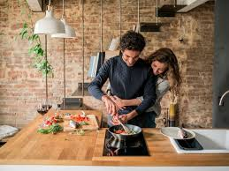 10 At-Home Romantic Dinner Recipe Ideas to Impress Your Girlfriend