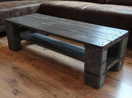 low cost wooden pallet coffee table