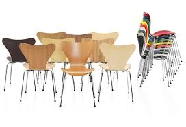 Jacobsen Series 7 Chair Series 7 Chairs By Arne Jacobsen Design Milk