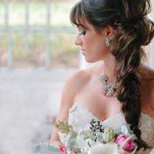 bridal hairstyle for round face loose side swept braid