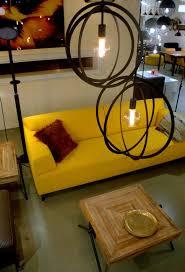 Deze Speelse Grote Hanglampen Bestaan Uit 3 Platte Ringen In Een Mat