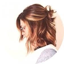 účesy Pro Střední Vlasy S Fotografiemi Módní Novinky 2019