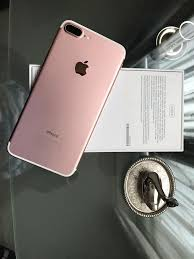 iphone 7 plus rose gold. iphone 7 plus 256gb rose gold, mint condition with receipt £750 cash on collection iphone gold f