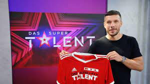 Just like in all other versions of the franchise, auditions take place and the judges review their talent and then later the home audience votes in. Schock Bei Das Supertalent Juror Lukas Podolski Mit Corona Infiziert Watson