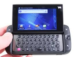 sidekick phone blue. samsung and t-mobile are hoping to revitalize the sidekick brand with new 4g. in a major departure, 4g skips old danger-made phone blue