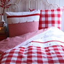 ♥ Adorable red gingham bedding. Would be cute in a raggedy Ann ... & Adorable red gingham bedding. Would be cute in a raggedy Ann/Andy bedroom Adamdwight.com