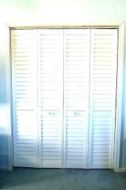 louvered closet doors louvered sliding closet doors louvered doors louver doors for closets photos of half louvered closet doors