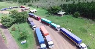 Frenan el ingreso a Misiones de una docena de camiones con 300 toneladas de  soja ilegal