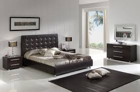 Master Bedroom Headboard Bedroom Black High Gloss Headboard On Kingsize Bed Master Bedroom