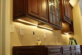 under cabinet lighting options kitchen