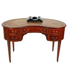 kidney shaped desk kidney shaped writing table a kidney shaped writing table kidney shaped desk ikea