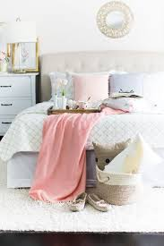 Best 25+ Neutral bedrooms with pop of color ideas on Pinterest ...