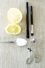 how to clean makeup brushes with coconut oil. all natural brush cleaning with lemon and coconut oil | 15 tips on how to wash clean makeup brushes h