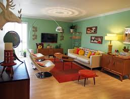 ... Best Retro Living Room Design With Nice Red Rugs And Wooden Flooring ...