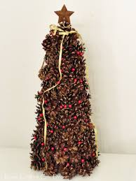 Craftaholics Anonymous  25 Pine Cone CraftsPine Cone Christmas Tree Craft Project