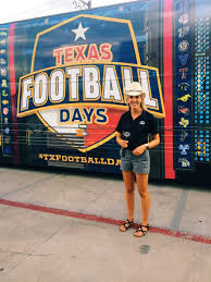 """Ashley Pickle on Twitter: """"A Pickle in a cowboy hat in front of the Texas  Football Days Bus in Cow Town... name something more Texan...🤠  #TXFootballDays   #ForeverTexas… https://t.co/q2bWmtK5Rq"""""""