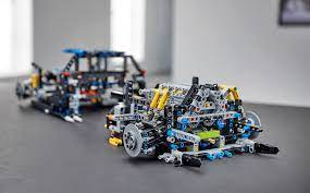 Hi i have buggy motors would it be possible to build a lego bugatti chiron motorization with the buggy motor best wishes ken. Lego S 2018 Bugatti Chiron Kit Has Functioning Transmission And 16 Cylinder Engine