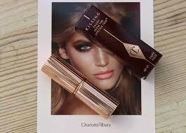 Review Charlotte Tilbury K.I.S.S.I.N.G Lipstick Penelope Pink.