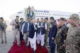 الرئيس الأفغاني أشرف غني يقبل بالاستقالة ويغادر أفغانستان رفقة مستشار الأمن  الوطني