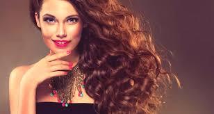 účesy Pro Kudrnaté Vlasy ženy