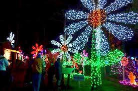 Christmas in the Garden | Travel Salem | Absolutely Oregon |