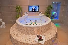 jacuzzi bathtub hotels uk thevote