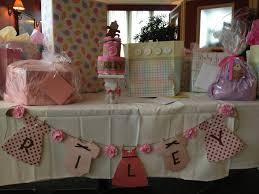 baby shower clothesline decoration