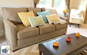 styling a sofa with throw pillows
