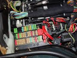 similiar 2000 bmw 528i fuse box keywords 2000 740il fuel pump fuse the fuse box located in the trunk diagram