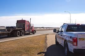 5 Things Truck Drivers Wish Other Drivers Knew About Large Trucks ...