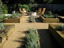 photo of a contemporary vegetable garden landscape in los angeles