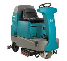 floor cleaning machines tennant