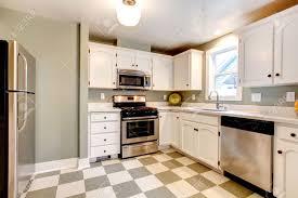 White Kitchen With Tile Floor Kitchen White Kitchen Cabinets Tile Floor Slate Kitchen Floor