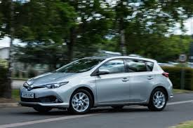 2015 Toyota Auris facelift: official photos and specs