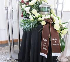 Von Uns Gefertigte Braune Trauerschleife Für Eine Urnenbestattung