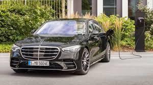 Para quienes el lujo y la distinción, habida cuenta de, en cierto modo, la discreción sea su fuerte, el precio del nuevo así, el nuevo estandarte de la movilidad de la más alta gama de la marca de la estrella se anuncia ya con un nuevo catálogo y precio del mercedes clase s de 2021 dado que, a. Mercedes Benz Clase S 580 E El Hibrido Enchufable Que Llegara En 2021 Junto A Poderosos