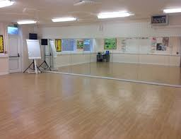 sound system for dance studio. dance studio suitable for: and drama. features: harlequin floor, sound system, projector (own laptop required), changing facilities, toilets full system for d