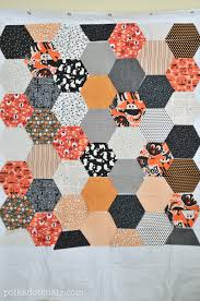 Large Hexagon Quilt Tutorial - The Polka Dot Chair Blog | Hexagon ... & How to make a large hexagon quilt -with no y seams Adamdwight.com