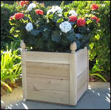 Recycled Wooden Box Planters as well DIY Deck Ideas   Page 2 of 6   Live Dan 330   DIY Outside as well Best 25  Large wooden planters ideas on Pinterest   Wooden planter additionally  as well 25  best Cedar planters ideas on Pinterest   Cedar planter box furthermore Design Ideas for Deck Planter Boxes   DIY furthermore  likewise  together with Best 20  Wooden planters ideas on Pinterest   Wooden planter boxes in addition Build Your Own Self Watering Planter   Progetto East Lahave together with DIY Planter Box   Build a Cheap Wooden Deck Rail Planter Box. on deck board planter box